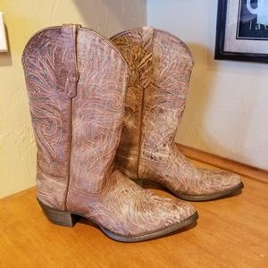 NWOT Ariat leather boots size 8
